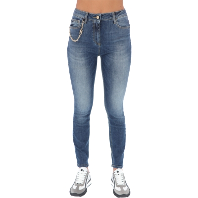 SKINNY JEANS WITH LOGO EMBELLISHED CHAIN